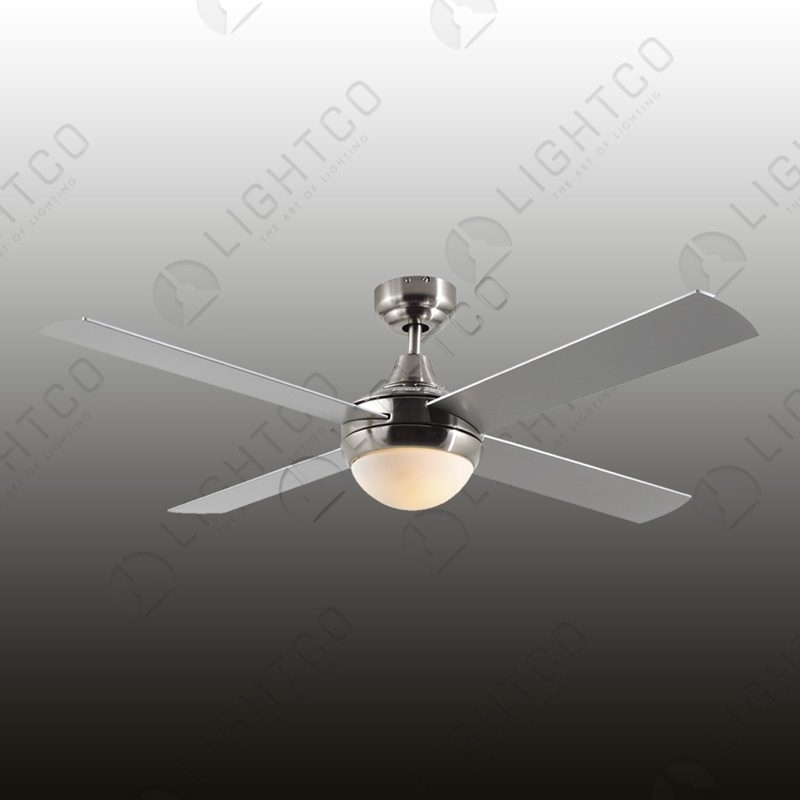 FAN 4 BLADE WITH LIGHT AND REMOTE CONTROL