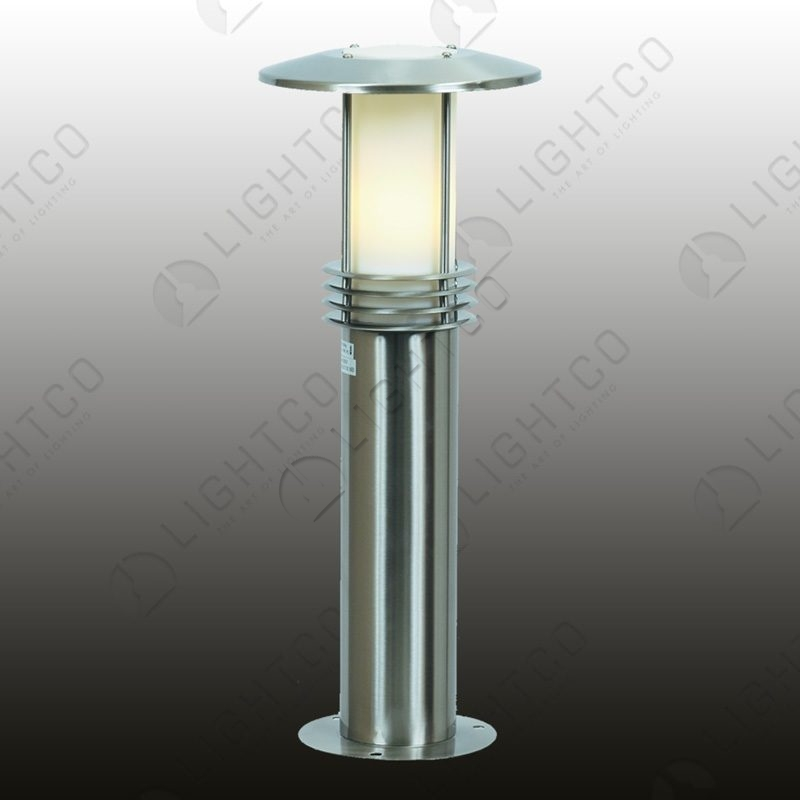 BOLLARD SHORT WITH WIDE BRIM AND BASE